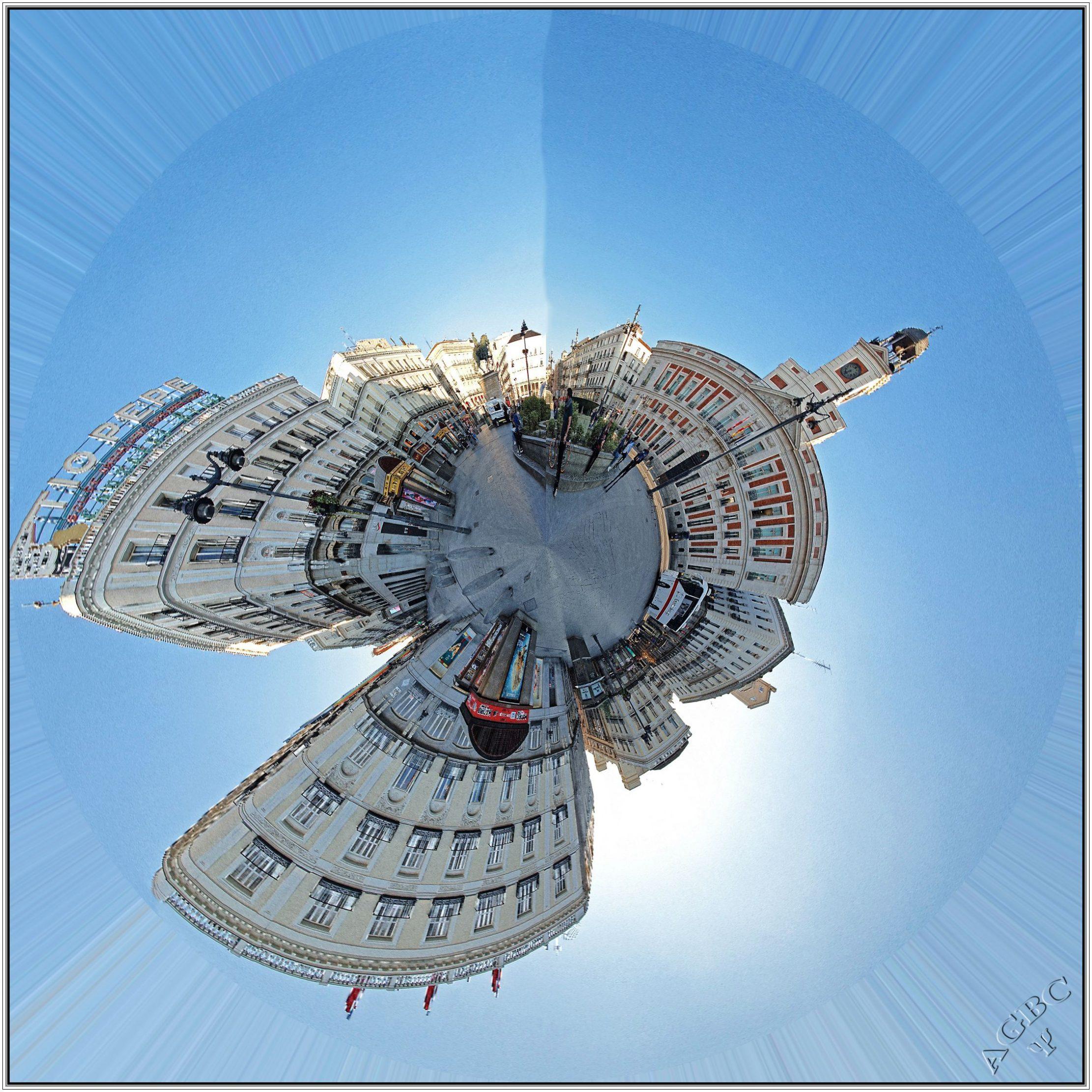 Tiny World con la Panorámica Puerta del Sol.